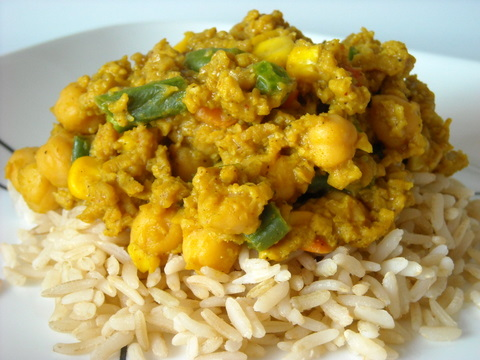 Curried chickpeas and rice | Blooming Vegan
