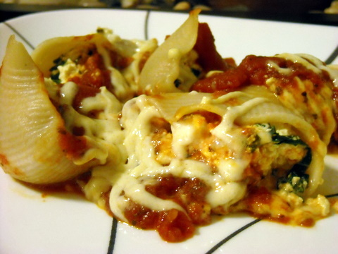 Tofu and spinach stuffed shells | Blooming Vegan