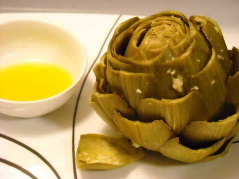 Steamed garlic artichoke | Blooming Vegan