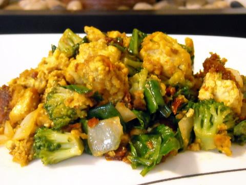 Tofu scramble | Blooming Vegan