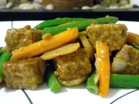Tempeh stir-fry | Blooming Vegan